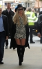 Britney_Spears_-_Arrives_at_BBC_Radio_1_in_London_28_09_2016_18.jpg