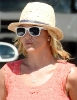 Britney_Spears_-_grabbing_a_coffee_at_Starbucks_in_Westlake_Village_011.JPG