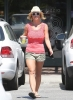 Britney_Spears_-_grabbing_a_coffee_at_Starbucks_in_Westlake_Village_014.jpg