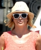 Britney_Spears_-_grabbing_a_coffee_at_Starbucks_in_Westlake_Village_015.JPG