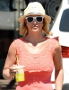 Britney_Spears_-_grabbing_a_coffee_at_Starbucks_in_Westlake_Village_016.JPG