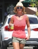 Britney_Spears_-_grabbing_a_coffee_at_Starbucks_in_Westlake_Village_018.jpg