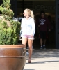 Britney_Spears_-_was_out_shopping_in_West_Hills_31_07_2016_19.jpg