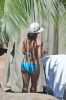 Britney_Spears_-_wearing_a_bikini_at_a_pool_in_Hawaii_001.jpg