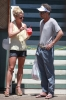 Britney_Spears_Eating_a_Snow_Cone_in_Lahaina_August_30_2010_04.jpg