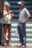 Britney_Spears_Eating_a_Snow_Cone_in_Lahaina_August_30_2010_06.jpg