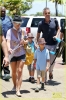 britney-spears-leaving-hawaii-03.jpeg
