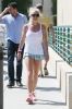 britney-spears-while-arriving-for-her-daily-workout-in-calabasas_0005-0.jpg